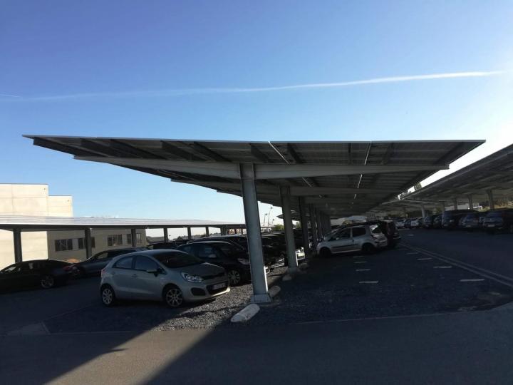 Foto van een zonne carport in een ander project